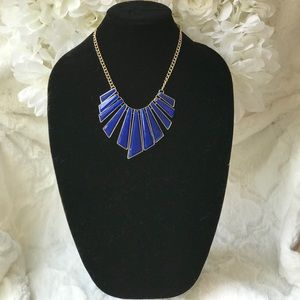 Jewelry - Women's statement necklace blue /gold